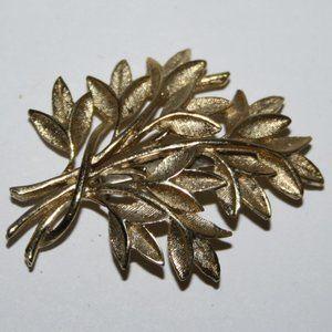 Vintage gold leaf brooch